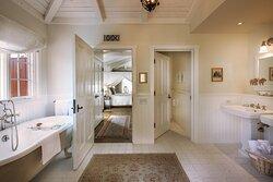 Magnolia Bathroom - French Lavender Cottage