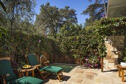 Acacia Patio - Wildflower Garden Cottage