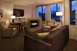 One-Bedroom Mountain View Suite