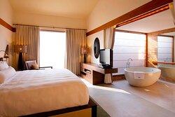 Luxury Villa - Master Bedroom with Walk-in Closet