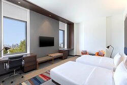 Savvy Twin Guestroom with View
