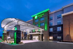 Welcome to the Holiday Inn & Suites Toledo Southwest-Perrysburg!