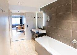 Original Sokos Hotel Alexandra Junior Suite Bath