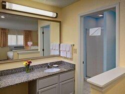 Two Bedroom Loft Suite - Second Floor Bathroom