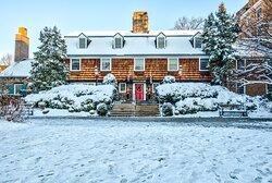 Nassau Inn Winter