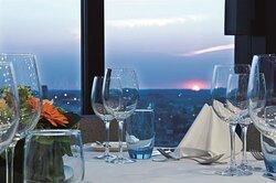 Sky Bar Table