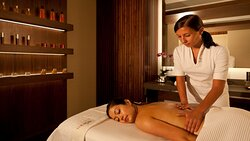 THE Spa's Tailor-made Signature treatment