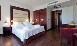 603494 Guest Room