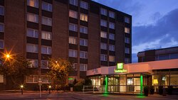 Evening at Holiday Inn Portsmouth