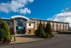 We welcome business and leisure travellers alike to our hotel