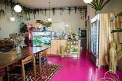 Herstreet café, inside!