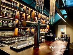 A centoventi passi dalla nostra storica attività, alla quale rendiamo il giusto omaggio nel nostro nome, abbiamo deciso di aprire il nostro ristorante  e cocktail bar.
