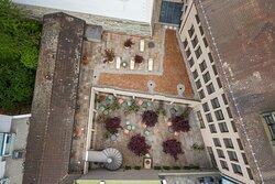 Sorell Hotel St Peter Innenhof Terrasse