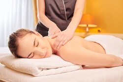 Relaxing massage at spa le Moment