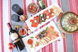 Балканские закуски и салаты