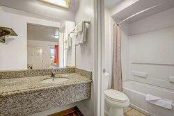 Motel Marysville CA Bathroom