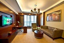 Holiday Inn Suite Room-Living Room