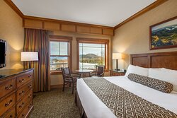 Deluxe Suite King Guest Room ADA Accessible