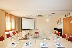 Daylight Meeting Room