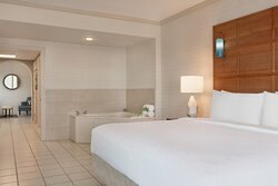 King Suite with Jacuzzi in the bedroom