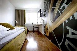 Scandic Sjofartshotellet Interior room standard queen green