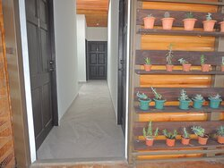Hallway to Rooms 1-4
