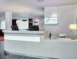 A warm welcome awaits you at Holiday Inn Express Amsterdam Schipol