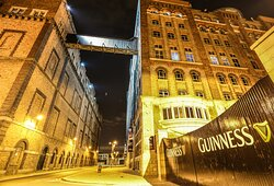 Guinness Storehouse is 30 min walk from the hotel