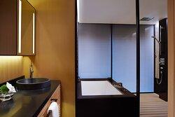 Corner Minami Suite - Bathroom