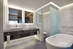Le Meridien Suite Bathroom