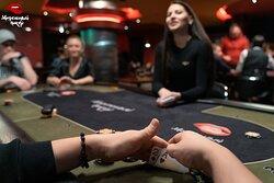 Бар Модельный покер - Лучшее место для любителей и профессионалов покера!