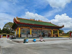 Jade Dragon Temple is the biggest temple in Malaysia; houses the places of worship for Buddhism, Taoism and Confucianism.