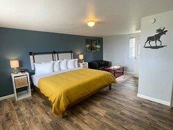 """Sandy Shores"" King Room"