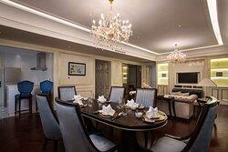 Suite Room Dining Area