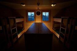 Chambre n°2 (2° étage)  -- 8 lits
