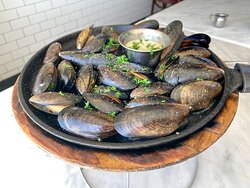 Mussels Skillet