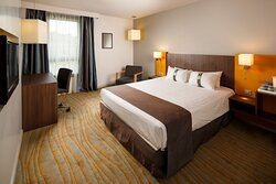 Comfortable One King ADA/Wheelchair Accessible Room