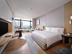 Wellness Deluxe Room King Bed