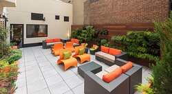 Have a relaxingafternoon break in our outdoor Courtyard