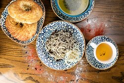 Знаменитое блюдо Узбекской кухни - Нарын✨ Готовится из тонкого воздушного теста и мелко порубленного филе конины