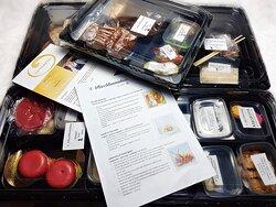 4- course dinnerbox April Michelinstar Restaurant 't Vlasbloemeken, Koewacht😋😋😋. Delivered at home.