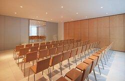 Studio Meeting Room - Theater Style 2