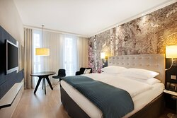 Eye-catching artwork and a king-size bed at the Holiday Inn.