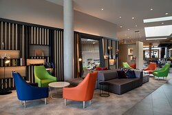 The bright Open Lobby with comfortable seats and inclusive Wi-Fi.