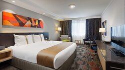 King Bed   Accessible Room   Holiday Inn Perth City Centre