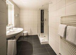 Bathroom Premium room_TOP Hotel Chemnitzer Hof Chemnitz