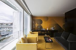 Diplomatic Suite Lounge