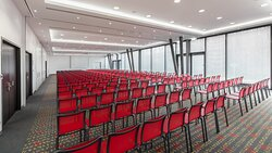 Spacious and light-filled meeting room for up to 270 people.