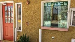 MH EconomyInnMotel Sylmar CA Property Exterior