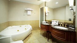 Presidential Suite Bathroom with jacuzzi and shower cabin